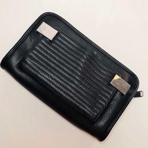 Handbags - 🖤 Black Leather Clutch 🖤